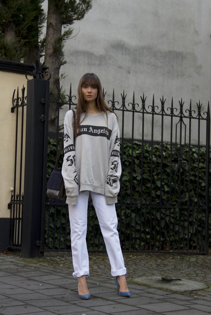 hm-sweater-vintage-levis-ralph-lauren-heels-everlane-bag.png