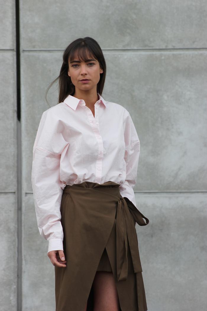hm-pink-shirt-zara-skirt-massimo-dutti-slippers-10.png