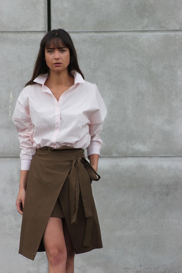 hm-pink-shirt-zara-skirt-massimo-dutti-slippers-12.png