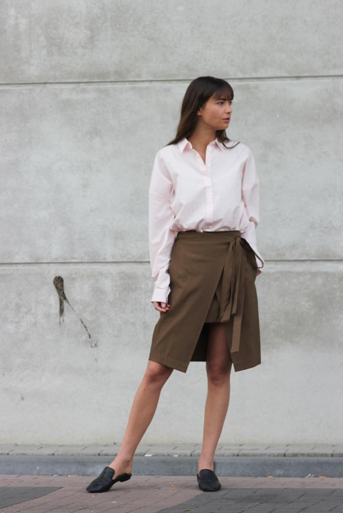 hm-pink-shirt-zara-skirt-massimo-dutti-slippers-2.png