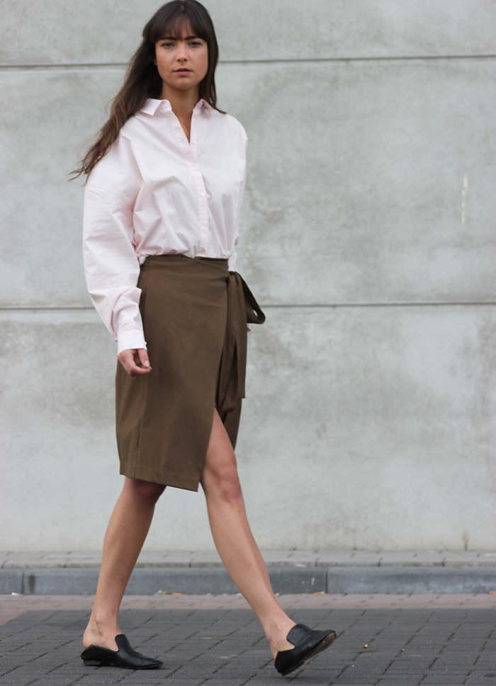 hm-pink-shirt-zara-skirt-massimo-dutti-slippers-3.png