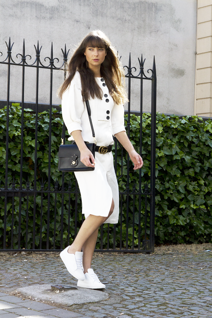 Mango-committed-dress-Gucci-belt-Ralph-Lauren-bag-Manfield-sneaker-2.png