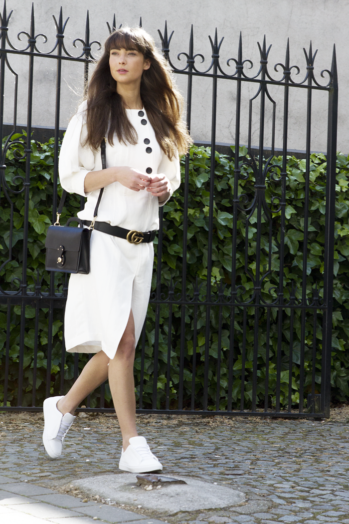 Mango-committed-dress-Gucci-belt-Ralph-Lauren-bag-Manfield-sneaker-4.png