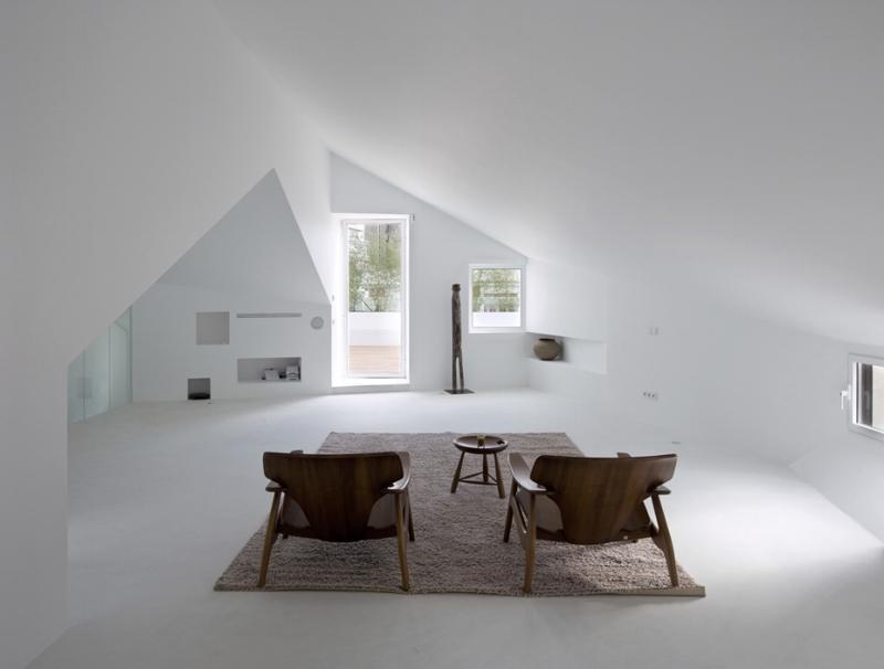 Madrid-Apartment-Conversion-by-Wespi-de-Meuron-Romeo-and-Abaton.jpg