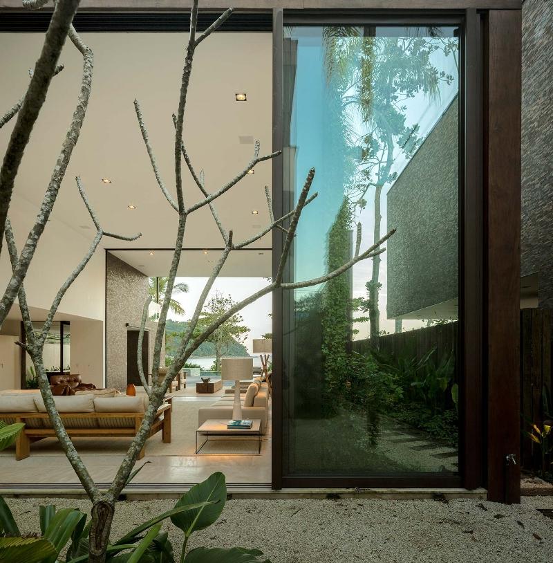 modedamour-interior-Fernando_Guerra_West_Whales_2.jpg
