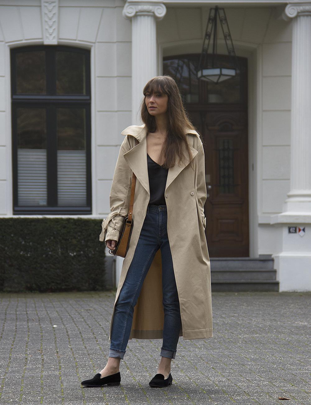Hm Trend trenchcoat, Matin Studio silk top, Cos denim, Ralph Lauren loafers, Louis Vuitton bag 8.png