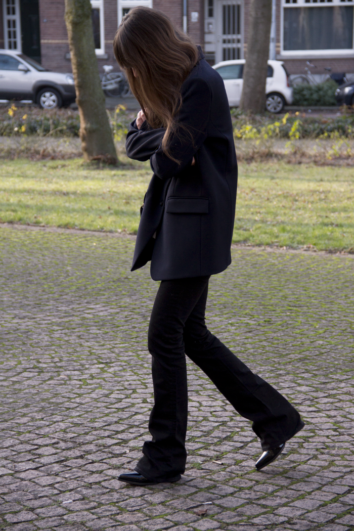 Oversized-blazer-Ralph-Lauren-flared-jeans-Hm-patent-leather-boots-7.png