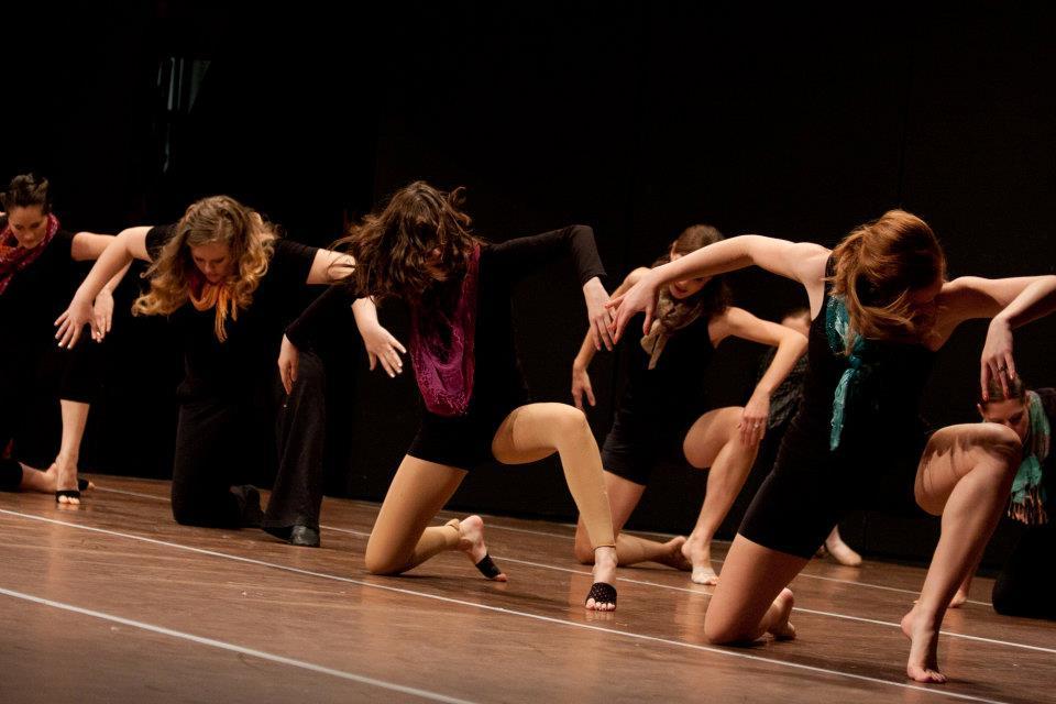Modern Dance (10 +) - w/ Miss Missy / Miss Katelyn