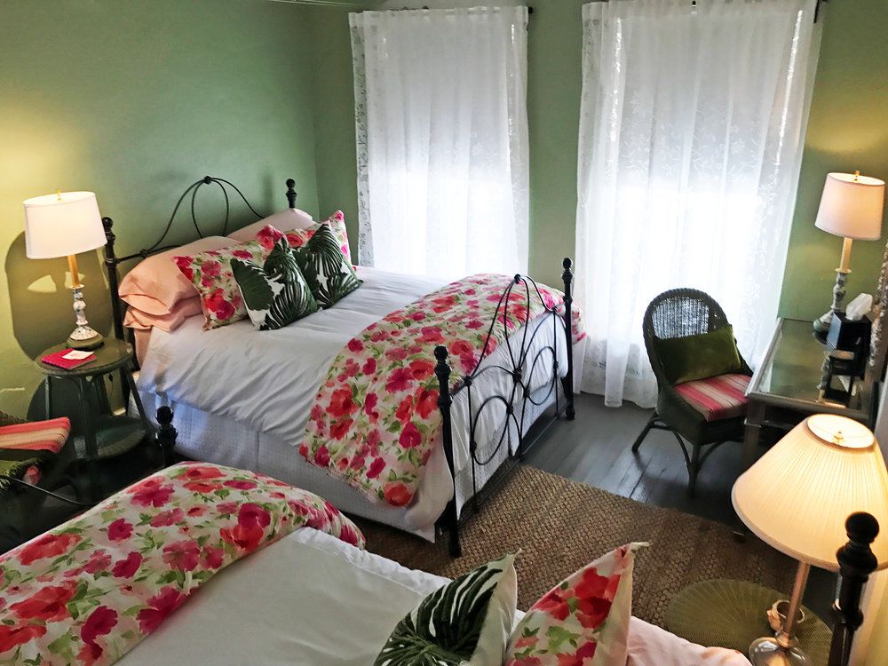 ROOM 8 - WILLOW SPRINGS - TWO QUEEN BEDS