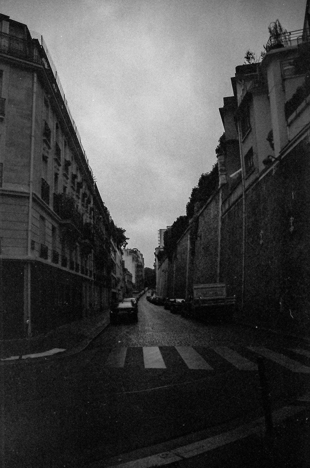 Paris B&W-8.jpg