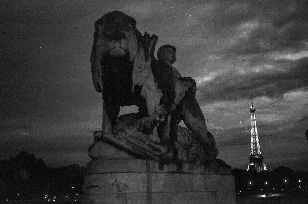 Paris B&W-5.jpg