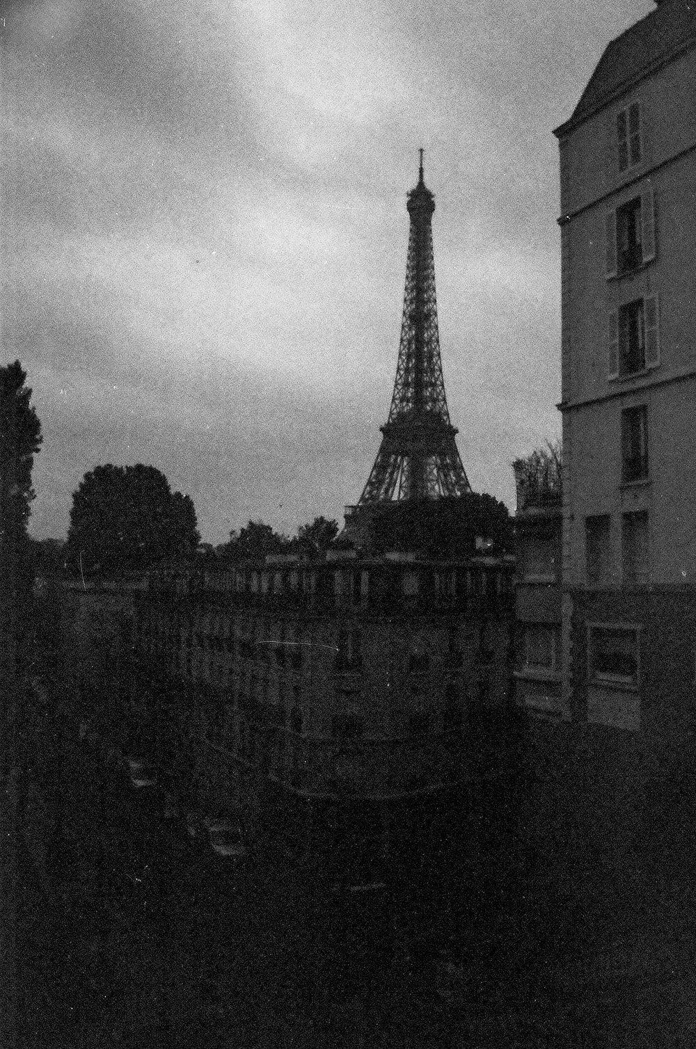 Paris B&W-3.jpg