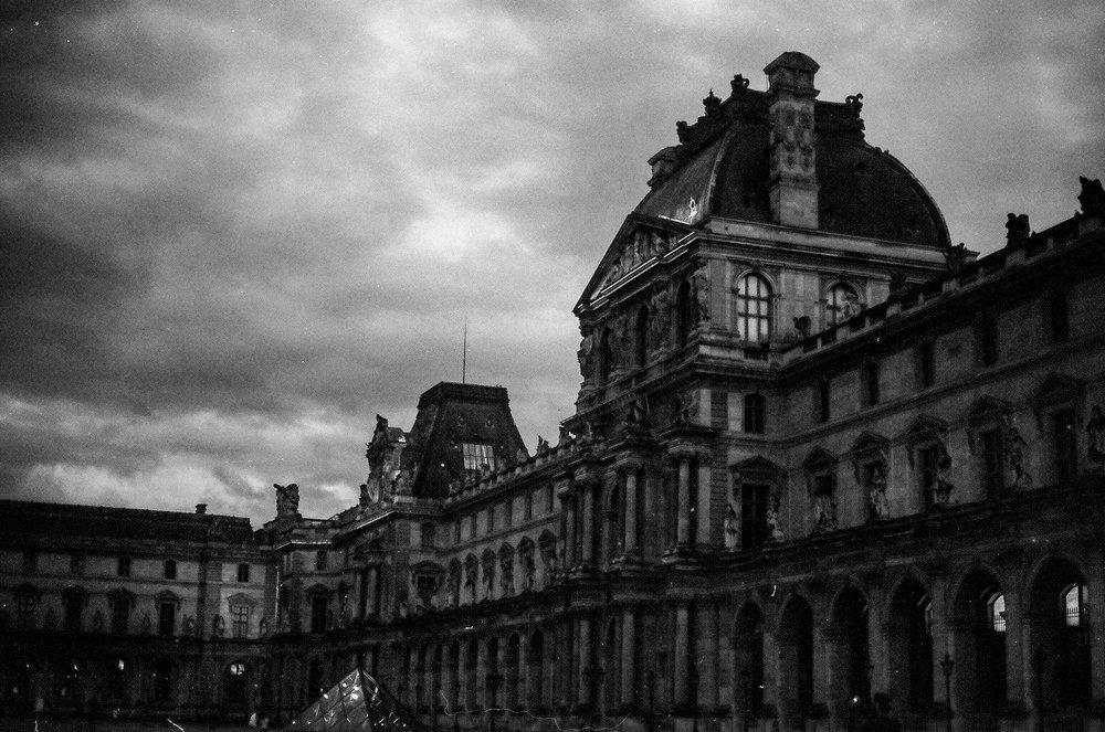 Paris B&W-6.jpg