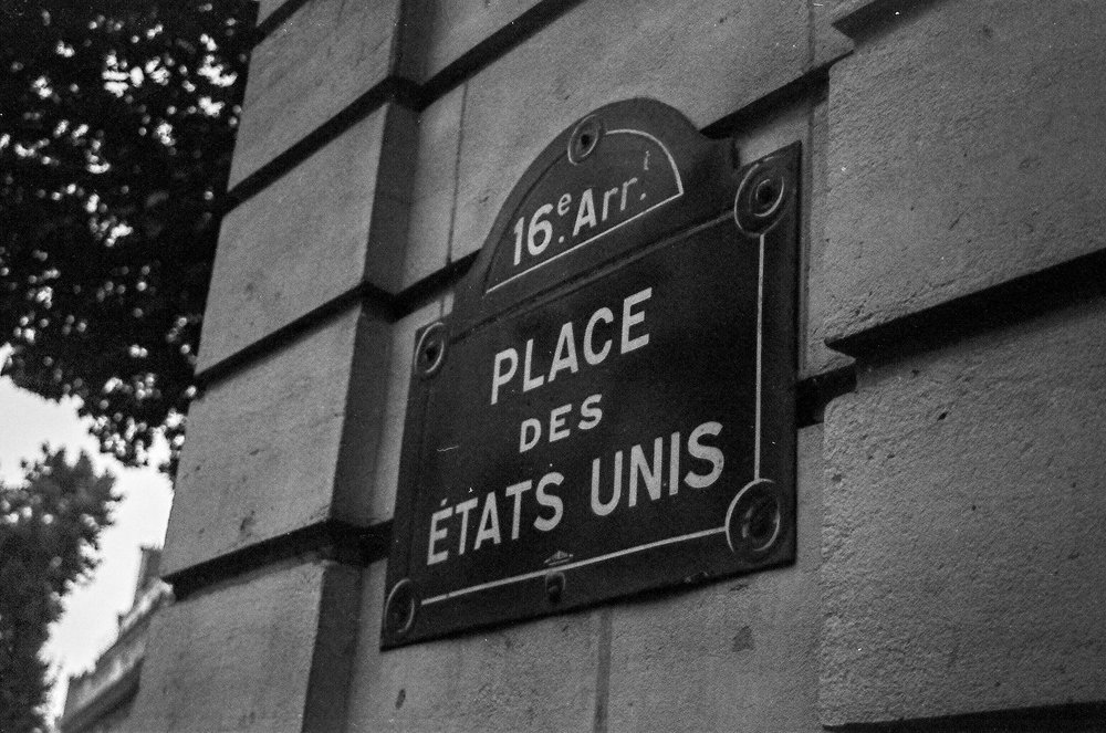 Paris B&W-2.jpg