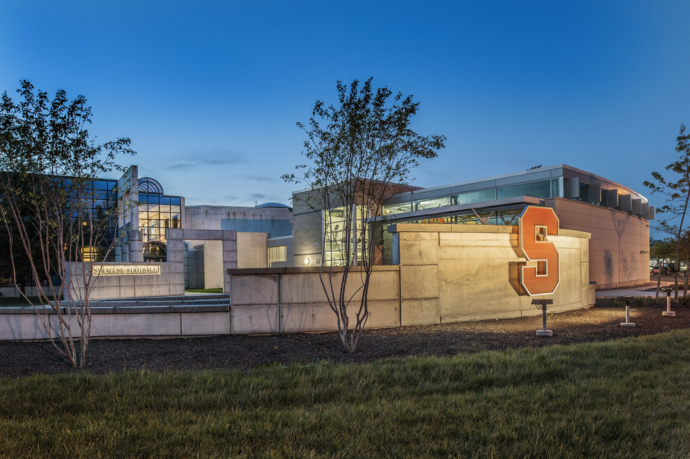 MANLEY FIELD HOUSE RENOVATION<strong>Renovationcreates a found space within the football complex that has become a showcase for the SU Football Team and a highlight on recruiting tours.</strong>