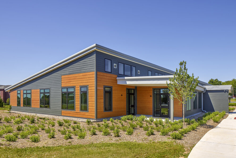 SEF ZERO ENERGY OFFICE BUILDING<strong>Drawing on Passive House strategies, the design sets a regional standard in sustainability—from both economic and performance perspectives.</strong>