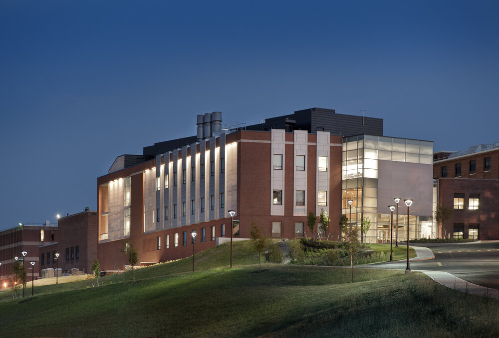 COYNE SCIENCE CENTER ADDITION<strong>Introduce a fresh architectural vocabulary to a university campus and new focus on sustainability. </strong>