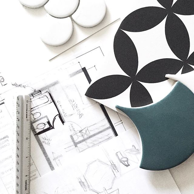 #TuesdayTip 🌿Today's tip: How to achieve a cohesive design? It's easy to go to Ikea, HomeSense, and even Target and find random home decor items that you may want in your space, however, when we really look at the big picture, they don't work together. Choose a scheme that you love. Save a few concept images on your phone and use it as your reference throughout the entire design phases. Concept images are the guide to a cohesive design 😉