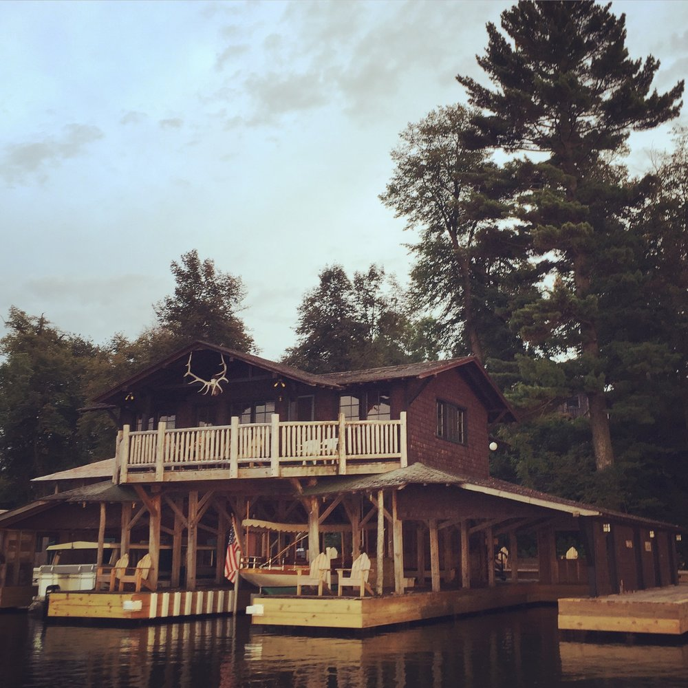 Stout's Island Lodge - Rightly named the