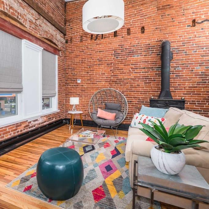 Main Street Airbnb. Photo Credit: Jeremy Dallek,  Seamless Media .