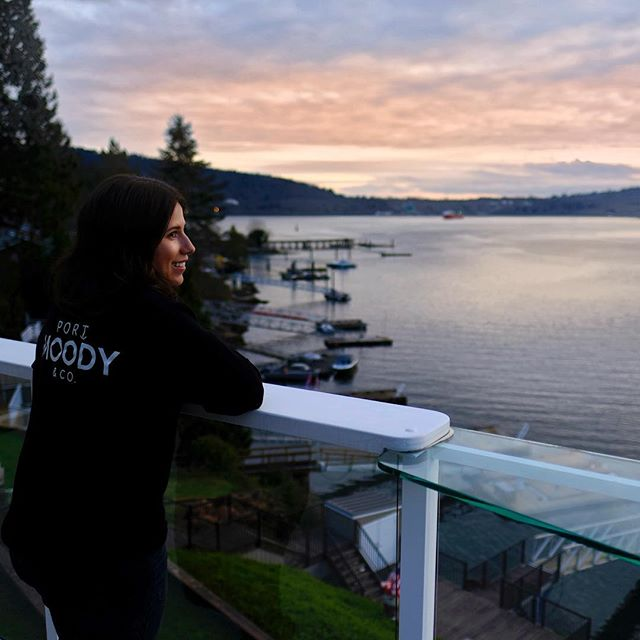 We're not one to deny ourselves an oceanfront sunset 🌅 . . #tbt #throwback #anchoredhere #belcarra #inletlife #portmoody #britishcolumbia #burrard #tricities #rockypoint #deepcove #beautifulbc #explorebc #yvr #vancouver
