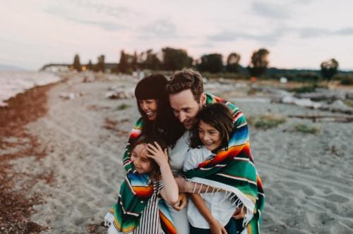 Jayme Lang - Vancouver Family Photographer - Family Blanket.jpg
