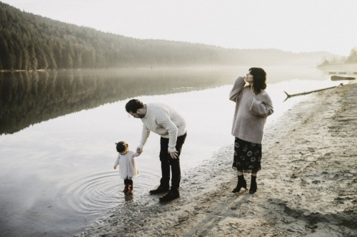 Jayme Lang - Vancouver Family Photographer - Beach.jpg
