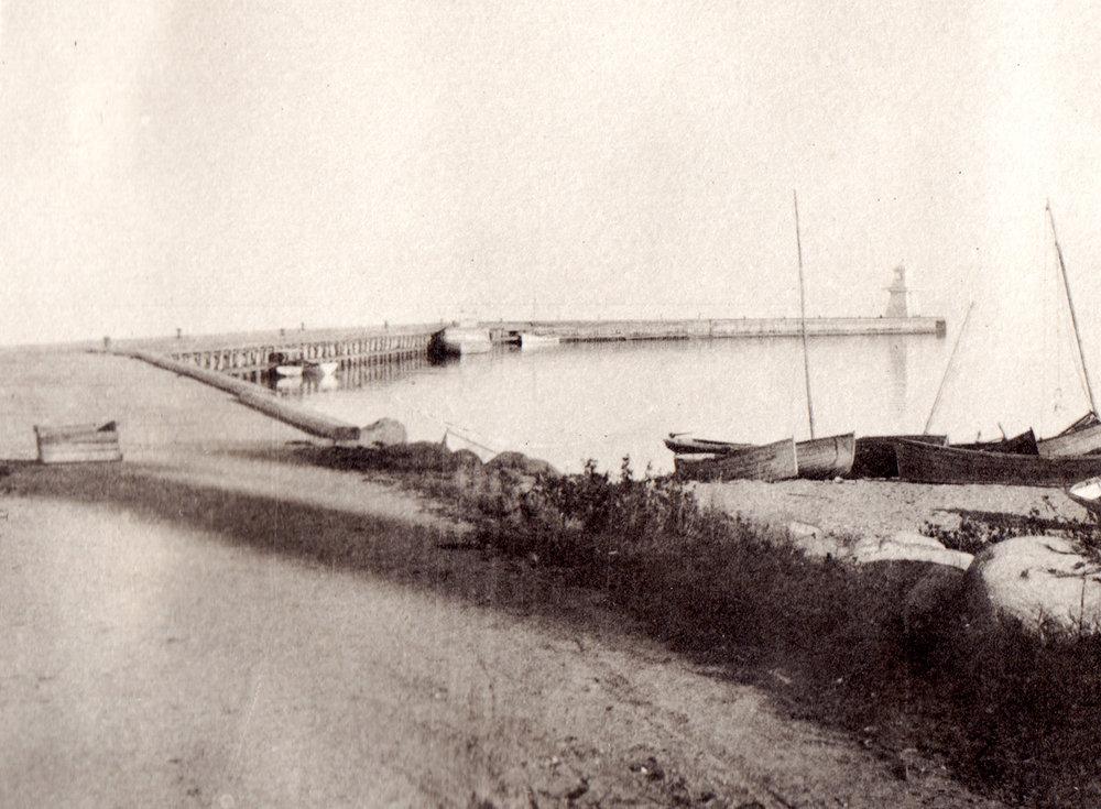 1908c view of harbour - 1981 Olafson Scrapbook.jpg