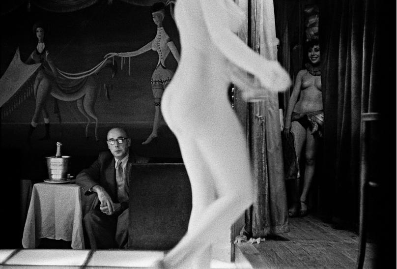 Frank Horvat, Le Sphinx, Paris, 1956