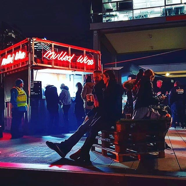 Melbourne Date Ideas 💡 || Docklands Firelight Festival is on!! Plenty of entertainment, food trucks, pop up bars & performances to keep you & your date warm this July. ❄️🔥Check @whatsonmelb for the full program. . . . . 📷: @incredibleant