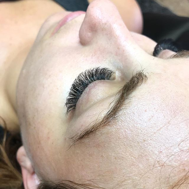 My favorite shape on one of my favorite gals ❤️ for this set i used @sugarlashpro B, C & D curl .07 #uptownmink lashes. I used all 3 curls to create a totally customized look for my totally unique client! | #sugarlashsquad . . . . . #sugarlashpro #highlashsociety #russianvolume #classiclashes #volumelashes #lashpro #dtphx #rooseveltrow #biltmore #camelbackeast #lashladies #lashesonpoint #beautywithin #confidentwoman #girlboss #girlbossgang #lashboss #phxlashes #phoenixlashes #scottsdalelashes #lashextensions #lashextensionsaz
