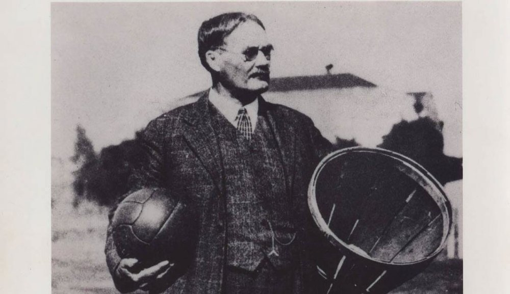 Dr_Naismith_with_peach_basket_0.jpg