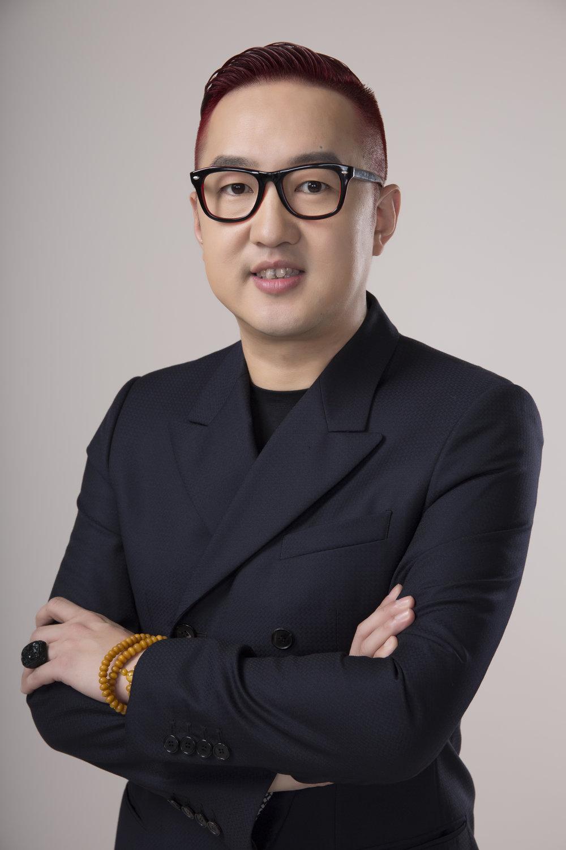Bao Yifeng-portrait