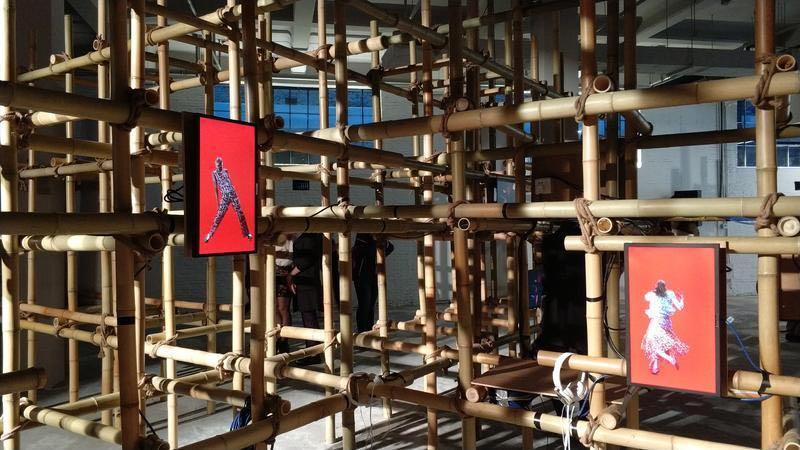 Installation vidéo de I COULD NEVER BE A DANCER à Shanghai (Bailian Group Fashion Centre – YQL)