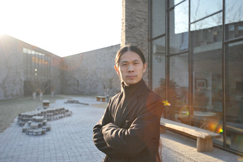 """""""Nous avons voulu faire exploser le carcan de la photographie chinoise"""" - RongRong, photographe et fondateur de Three Shadows Photography Art Centre"""