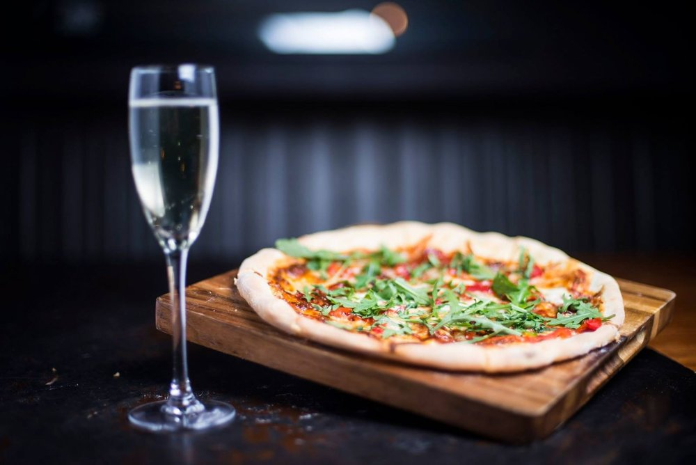 FRIDAY PIZZA & PROSECCO -