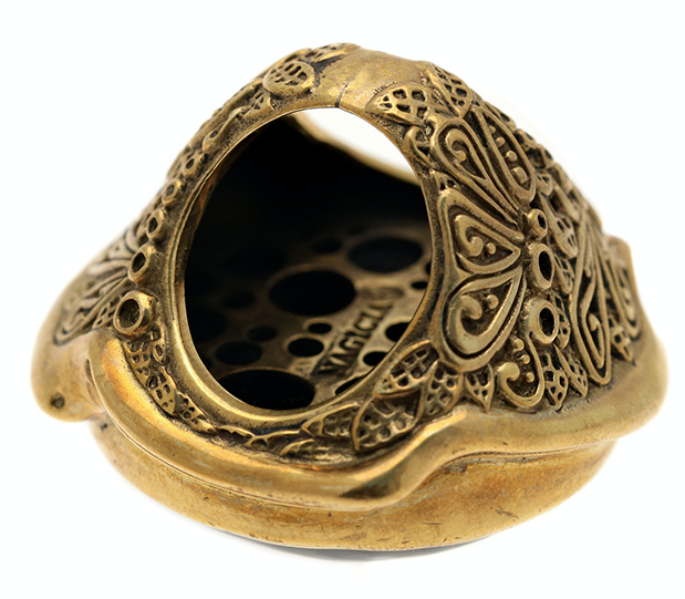 A WORK OF ART. - Handcrafted by Balinese artisans, this brass ring is a true treasure.