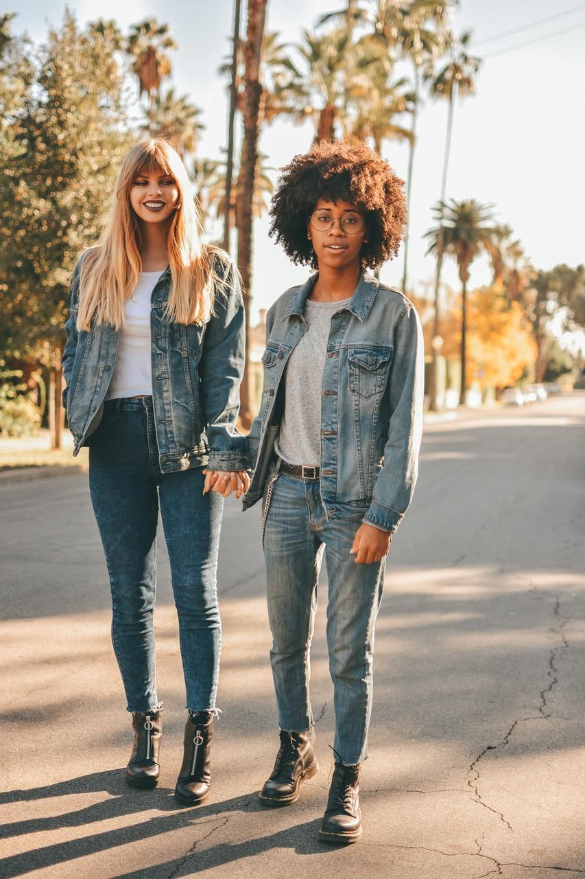 Hannah (left) & Ariana (right)
