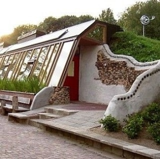 Was chatting with my Nuncle about Earthships last night. I've always wanted to build one of these. Maybe when I settle in somewhere this will be a next step in my Living Outside the Box adventure. . . . #livingoutsidethebox #earthships #earthship #sustainable #selfsustaining #selfcontained #livesustainably #buildyourown #makeyourownreality #savetheplanet #noplanetB