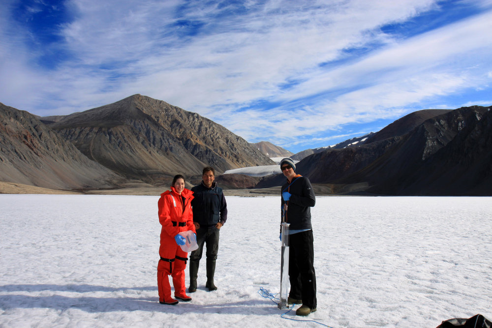 Myriam Labbé, Denis Sarrazin & Alex Culley sampling in Neige Bay, Milne Fjord (Photo courtesy of D. Sarrazin)