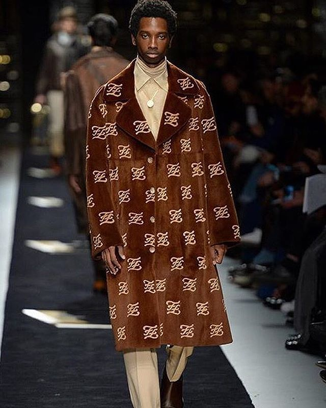 Made for the contemporary man, @fendi's #FW19 collection featured a futuristic logo and complimentary opposing dualities.  Creative Director: @silviaventurinifendi . . . #mfw #mfw2019 #FendiFW19 #fashionweek #milan #fashionshow #runway #italy #italianfashion #designer #fashionhouse #couture #luxury #lifestyle #model #malemodel #streetstyle #fendi #fisforfendi #menswear #fall #winter #newyork #fashioneditor #magazine #fashionmagazine #editorspick #italy #fashion