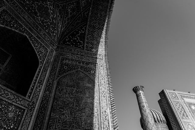 Tile in the shadow. September 6, 2018. Samarkand, Uzbekistan. . . . . . . . . . #samarkand #uzbekistan #madrassa #tile #travel #ancient #ancientart #art #shadow #blackandwhite #registan #Tilya-Kori #asia #travelphotography #architecture #blackandwhite #blackandwhitephotgraphy #photographer #history #centralasia