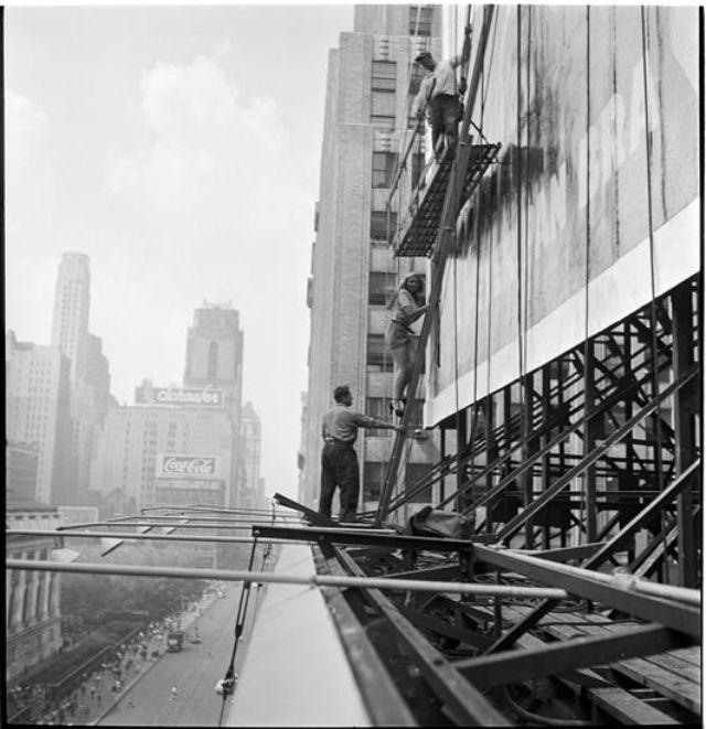 creating-a-billboard-for-peter-pan-bras-1947-24.jpg