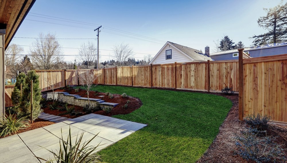 FENCE BUILDERS - YOUR FENCING SOLUTIONS, DESIGNED & BUILT