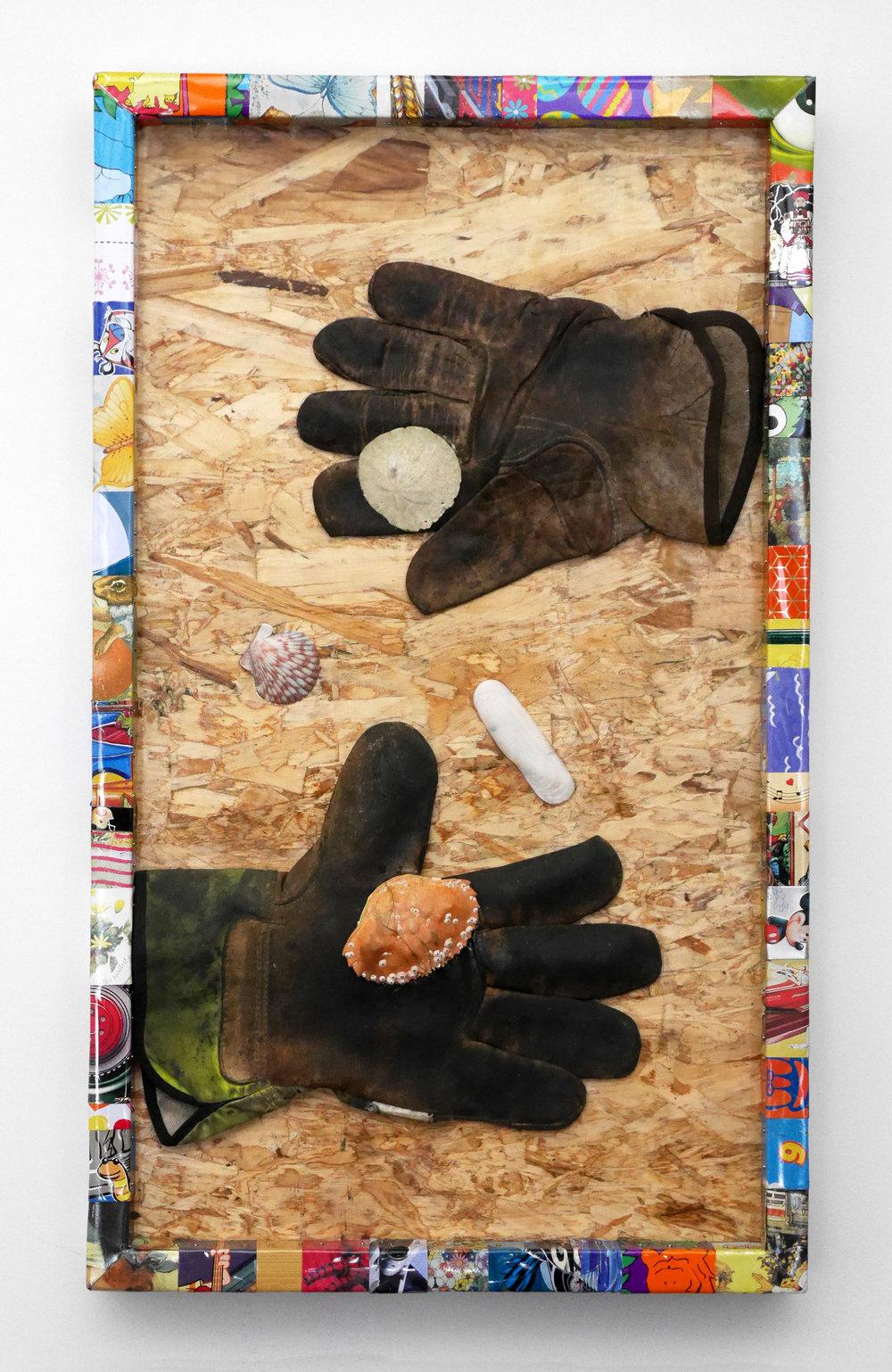 handsshells4-2500px.jpg