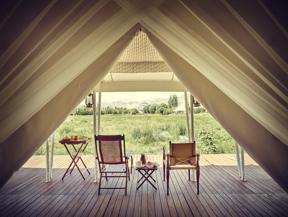 gt-luxury-suite-tent-white-verandah-01_highres.jpg