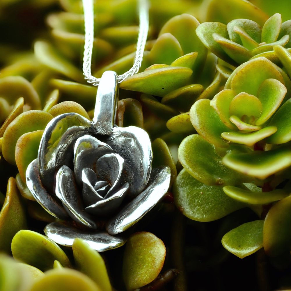 limelight-sedum-necklace-medium-silver-with-plant - 1.jpg