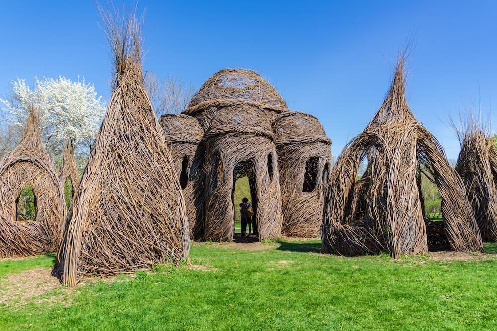 willow-sculptures-patrick-dougherty-montreal-botanical-gardens ID 116581334 © Louise Rivard | Dreamstime.com.jpg