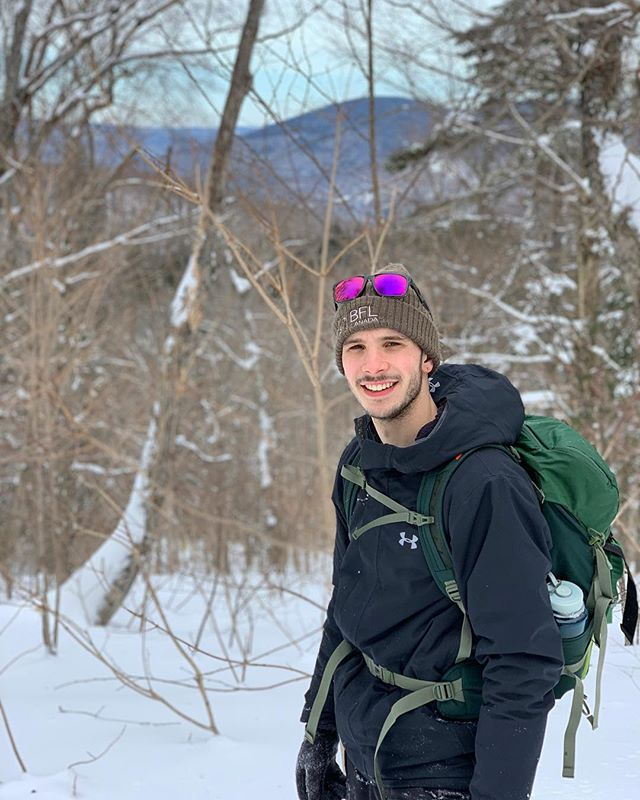 Mid week, time go out and have some fun !  Luckily, I have my @underarmourca gear for this cold weather !! 🌲🏔❄️
