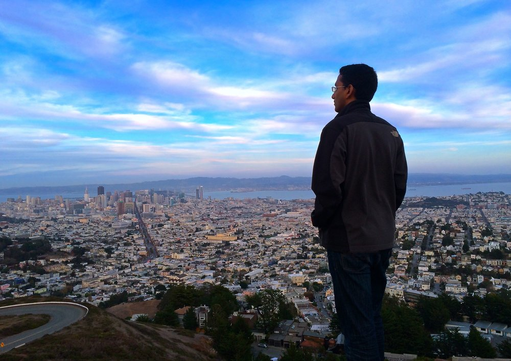 Mr. Frugal Hacker taking in the view at Twin Peaks, San Francisco